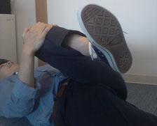 座っているだけで腰が痛いのを治した方法