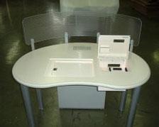 ▲図書館貸出端末テーブル
