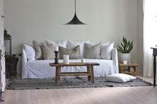 Gervasoni steht für schlichte Eleganz im italienischen Design. La Dolce Vita mit Sofas, Sesseln und Betten von Gervasoni.