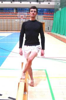 Rehabilitacja kolana: ćwiczenie nr 3 - lądowanie na podłodze..