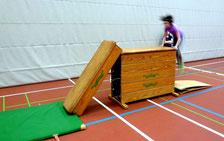 ... mit Übungen, die den natürlichen Bewegungsdrang von Kindern und Jugendlichen nutzen ...