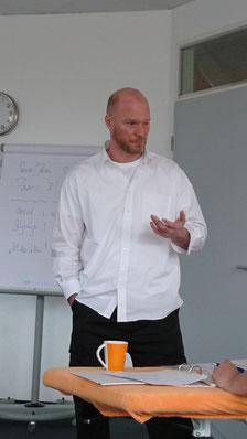 """Dozent für die Fachfortbildung """"Ausleitungsverfahren"""" beim Eos-Institut."""