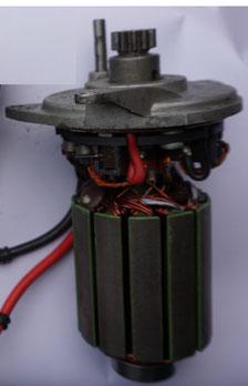 Gleichstrommotor einer Ankerwide mit Getriebe für eine Yacht