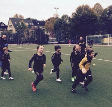 TuS F3-Jugend nach Spielende. - Foto: diba.