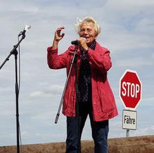 Rita Platte bei der Demo in Ferchland.