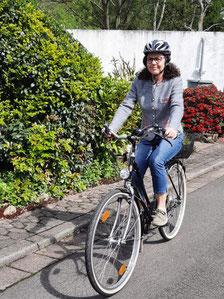 Hilde Recktenwald, Mitglied im SPD Vorstand Riegelsberg, nutzt gerne ihr Fahrrad zum Einkaufen oder für andere Erledigungen in Riegelsberg.