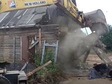 Демонтаж деревянного дома в ленобласти