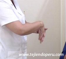 Ejercicios y posturas para tejer mejor