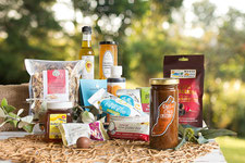 flavours of the farm gift hamper