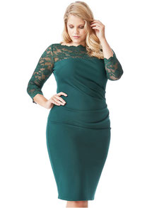 grünes Spitzenkleid für mollige Frauen