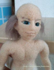 羊毛フェルト 人形の作り方