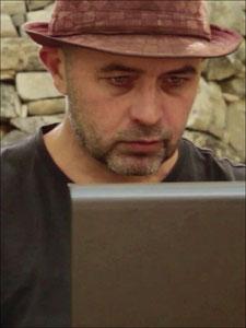 Le réalisateur de Nouveau Monde, Yann Richet - annuaire via energetica . fr