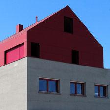 architekturbuero_waessa_dachgeschossausbau_wohnhaus_forst_ansicht_sued