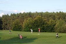 Golfer auf dem Golfplatz Prenden