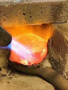 Messingguss Metall einschmelzen