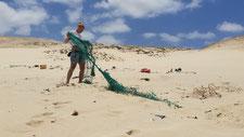 Strand Fischernetz Plastikmüll Plastik Verschmutzung Beach Cleanup