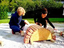 workshop construction éco-dome superadobe voûte