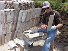 Fabrication d'un bouquet de tuiles collecteur pour naissains d'huitres plates