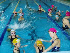 小学生短期水泳講習会風景