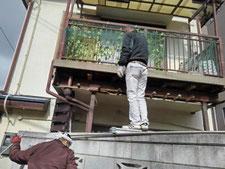 ベランダ崩落後の復旧工事