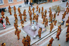 Die Hänsele am Hans-Kuony-Brunnen