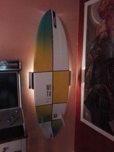 Wandhalterung Wandmontage Surfboard diagonal horizontal vertikal Halterung wall mount LED Beleuchtung beleuchtet