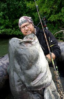 Welsangeln in Frankreich - Unglaubliche Großfischraten soll es dort zu fangen geben.