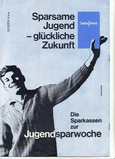 Jugendsparwoche, Weltspartag 1959. Sparkassenplakat. jugendlicher hält Sparkassenbuch hoch.