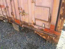 屋外コンテナの修理:工事中写真