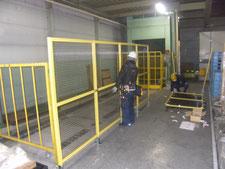 アルミ製安全柵の新設:工事中写真