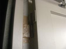 鉄扉の丁番取り替え:工事前写真