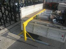 照明吊り鉄骨の新設:工事中写真