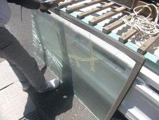 網入り型硝子の取り替え:工事中写真