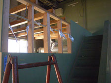 工場内物置の解体:工事中写真