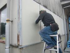 破損させた外壁の取り替え:工事中写真