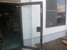 扉ガラスの取り替え:工事後写真
