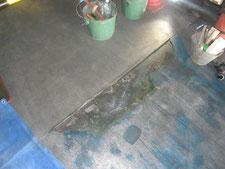 塗床のモルタル補修:工事前写真