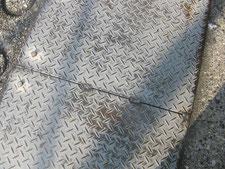縞鋼板の現場溶接:工事中写真