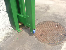 鉄製引き戸の修理作業:工事中写真