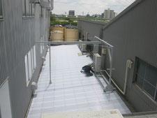 ポリカ製の屋根:工事中写真