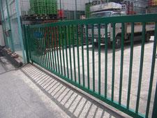 鉄製門扉の取替:工事後写真
