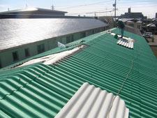 彩光屋根をスレート屋根に葺き替え:工事中写真
