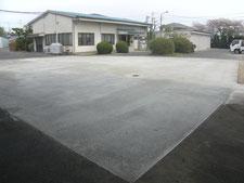 半たわみ性舗装の工事写真