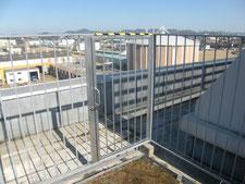 屋上鉄柵に出入口を新設:工事後写真