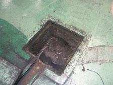 配管の高圧洗浄:工事前写真