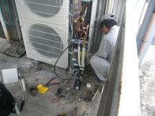 エアコン改修工事:工事中写真