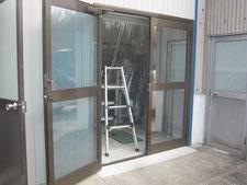 引き違い扉に取替:工事前写真