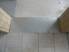 メッキ縞鋼板の布設:工事後写真