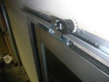 引き戸クローザー:工事中写真