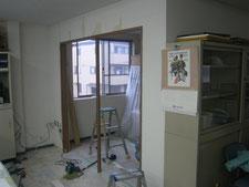 出入り口の新設:工事中写真